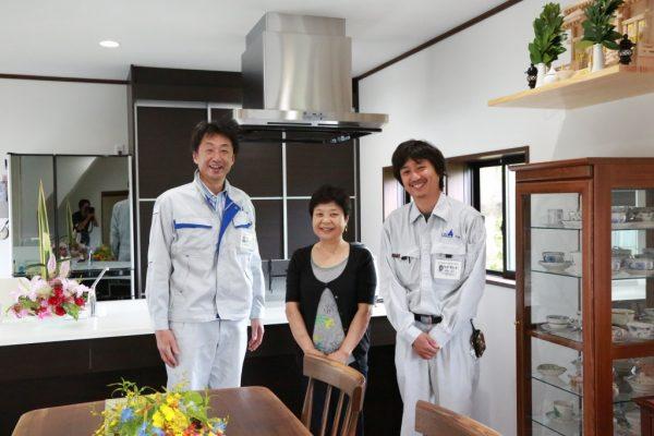 福井県美浜町T様邸 お客様との写真